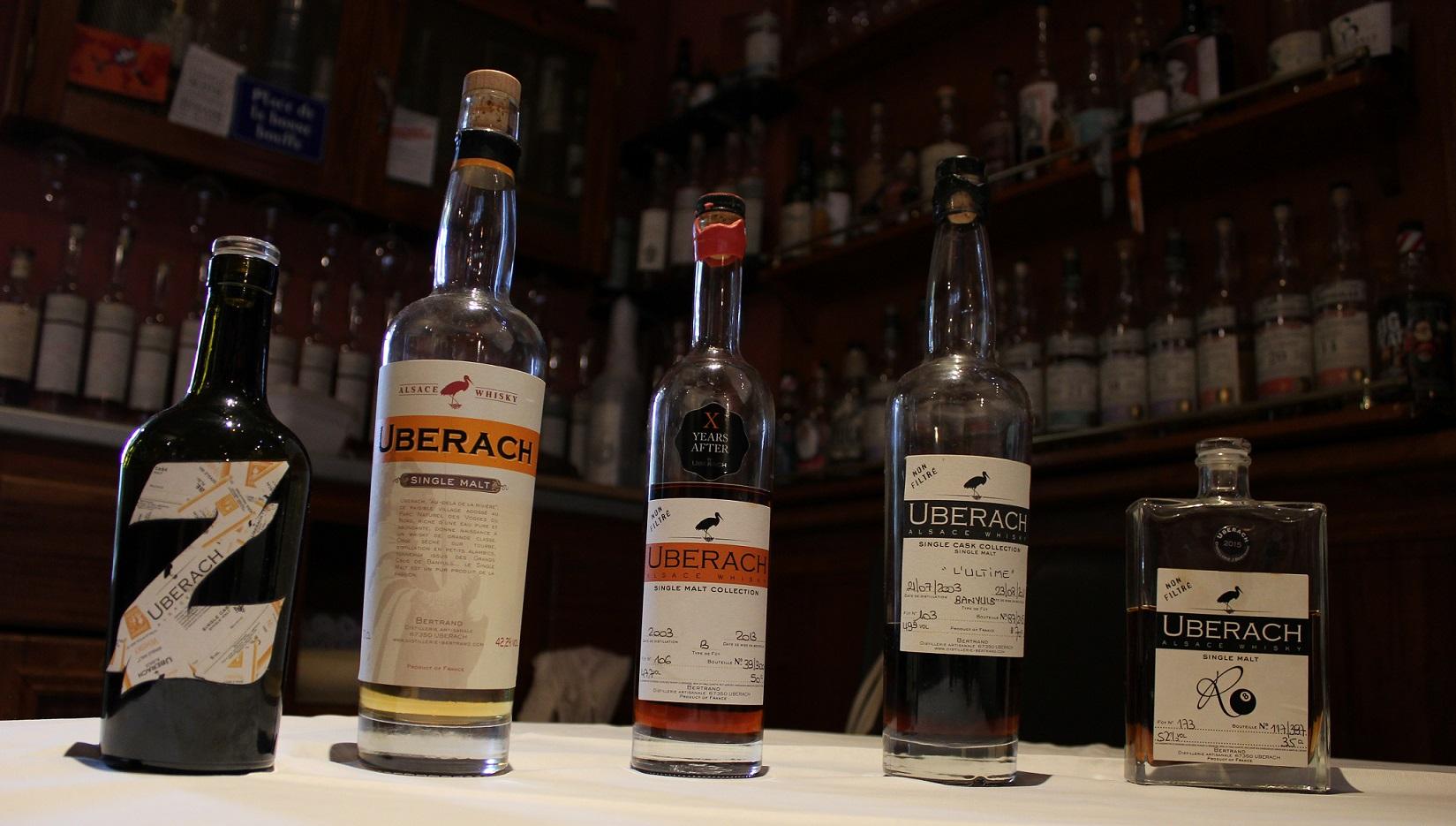 Edition spéciale La Zygothèque 46,8%, Single malt 42,2%, X years after 47,7%, L'Ultime 49,9%, R8 52%, Uberach, distillerie Bertrand, Uberach, Alsace, Jean Metzger, Laurent Oswald, orge, alambic à colonne, fût, Banyuls, vin doux naturel, whisky Français, French whisky, malt, La Zygothèque, restaurant, 15Bis Rue Tolbiac, Paris.