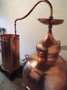 Lentille de rafinage, Al-lambic, Coqlicorne, coqlicorne company, Liam Hop, laure-anne civet, laure anne vivet, ugo, Nogent le bernard, Nogent-le-bernard, corn whisky, whisky maïs, whisky maïs et orge, whisky maïs et malt, whisky mais, whisky mais et orge, whisky mais et malt, Appalachian Pot Still, Al-Ambic, Dunnage warehouse, chêne américain, pineau des charentes, fût de pineau des charentes, bourbon barrel, fûts de Jasnières, fût de Jasnières, distillerie française, whisky français, french whisky, France, distillerie, Matthieu Acar, Xavier Brevet, Lilya Sekkal, dégustation, whisky, masterclass, Paris, atelier, dégustation, whisky Francais, whisky français, france whisky.