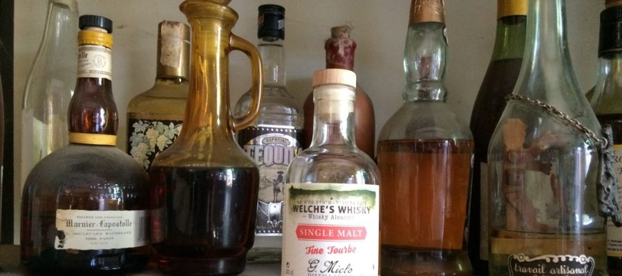Welche's Whisky Single Malt Fine Tourbe, Distillerie G. Miclo, Lapoutroie, Gilbert Miclo, Michel Miclo, Bertrand Lutt-Miclo, Daniel Hanser, whisky, Welche's Whisky Single Malt 43%, Welche's Whisky Single Malt Fine Tourbe 43%, Welche's Whisky Single Malt Tourbé 46%, Welche's Whisky Single malt, Welche's Whisky Single malt tourbé, orge, Holstein, Sauternes, Bourgogne, IG Whisky d'Alsace, France, whisky, whisky Français, French whisky, orge, distillation. Matthieu Acar, Xavier Brevet, Lilya Sekkal, dégustation, whisky, académie, masterclass, Paris, atelier, dégustation, whisky