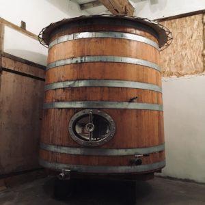 Distillerie coqlicorne, cuve de fermentation, cuve de fermentation en bois, cuve de fermentation de vin, Coqlicorne, coqlicorne company, Liam Hope, laure-anne civet, laure anne vivet, ugo, Nogent le bernard, Nogent-le-bernard, corn whisky, whisky maïs, whisky maïs et orge, whisky maïs et malt, whisky mais, whisky mais et orge, whisky mais et malt, Appalachian Pot Still, Al-Ambic, Dunnage warehouse, chêne américain, pineau des charentes, fût de pineau des charentes, bourbon barrel, fûts de Jasnières, fût de Jasnières, distillerie française, whisky français, french whisky, France, distillerie, Matthieu Acar, Xavier Brevet, Lilya Sekkal, dégustation, whisky, masterclass, Paris, atelier, dégustation, whisky Francais, whisky français, france whisky.